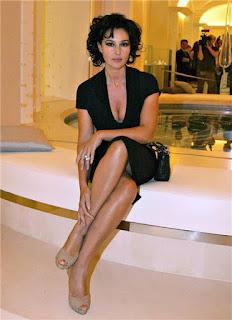 Monica Bellucci In Skirt