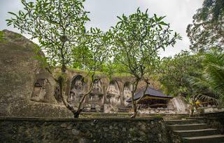 http://www.teluklove.com/2017/02/pesona-keindahan-wisata-candi-gunung.html