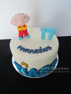 Bolo de aniversário Family Guy doces opçoes bragança