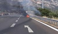 Κινέτα: Αυτοκίνητο εκτράπηκε της πορείας του και τυλίχθηκε στις φλόγες