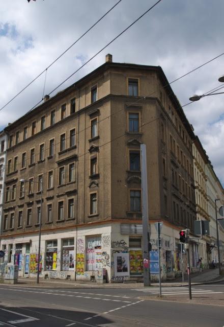 Leeres Geschäfts- und Wohnhaus, Leipzig, Merseburger Straße/Lützener Straße, Hypezig