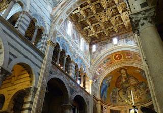 Interior de la Catedral o Duomo de Pisa.