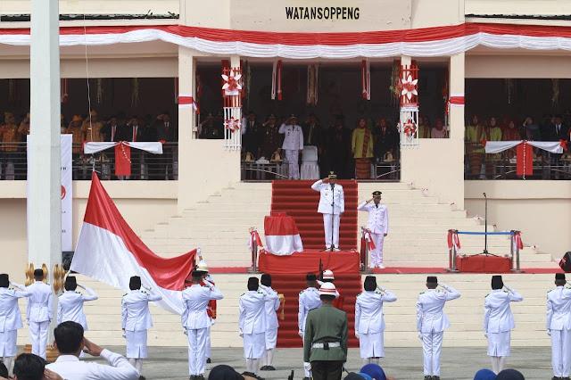 Pengibaran Bendera di Soppeng Berjalan Hikmat