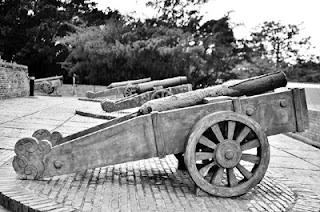 ΝΕΑ ΣΕΙΡΑ ιστορικών ΑΡΘΡΩΝ Αντώνη Ζαρκανέλα για τη ΔΕΚΑΕΤΙΑ 1940 - 1950: 3ο. Η Εξέγερση της Δράμας - Η Επίσημη θέση του Κράτους