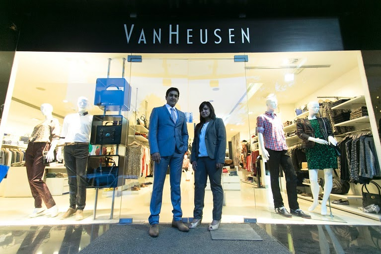 106373825f Van Heusen- Most Fashionable Professional