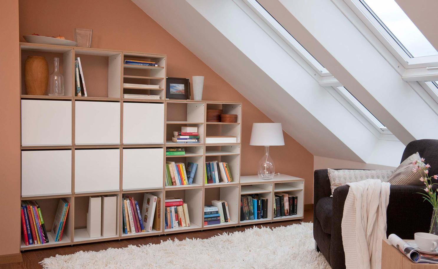 ... Zum Beispiel, Einen Couchtisch Wie Dies Mit Extra Viel Platz Für Die  Lagerung Der Bücher. Sie Können Auch In Einem Futon Oder Sofa Investieren,  ...
