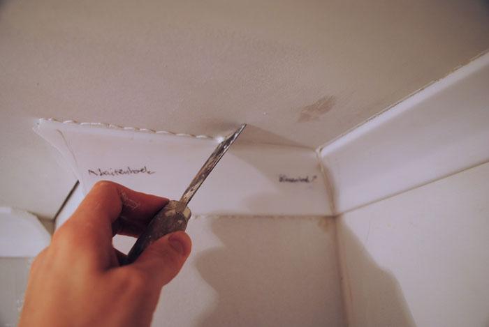 plafondlijst installeren