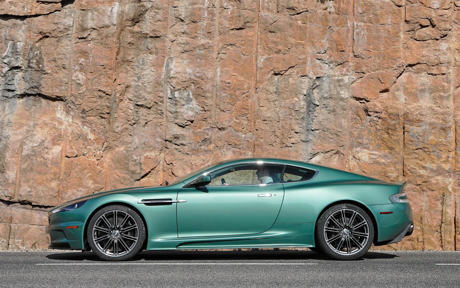 Wallpaper Mobil Sport Aston Martin: Sport Cars: Aston Martin DBS Hd Wallpapers 2010