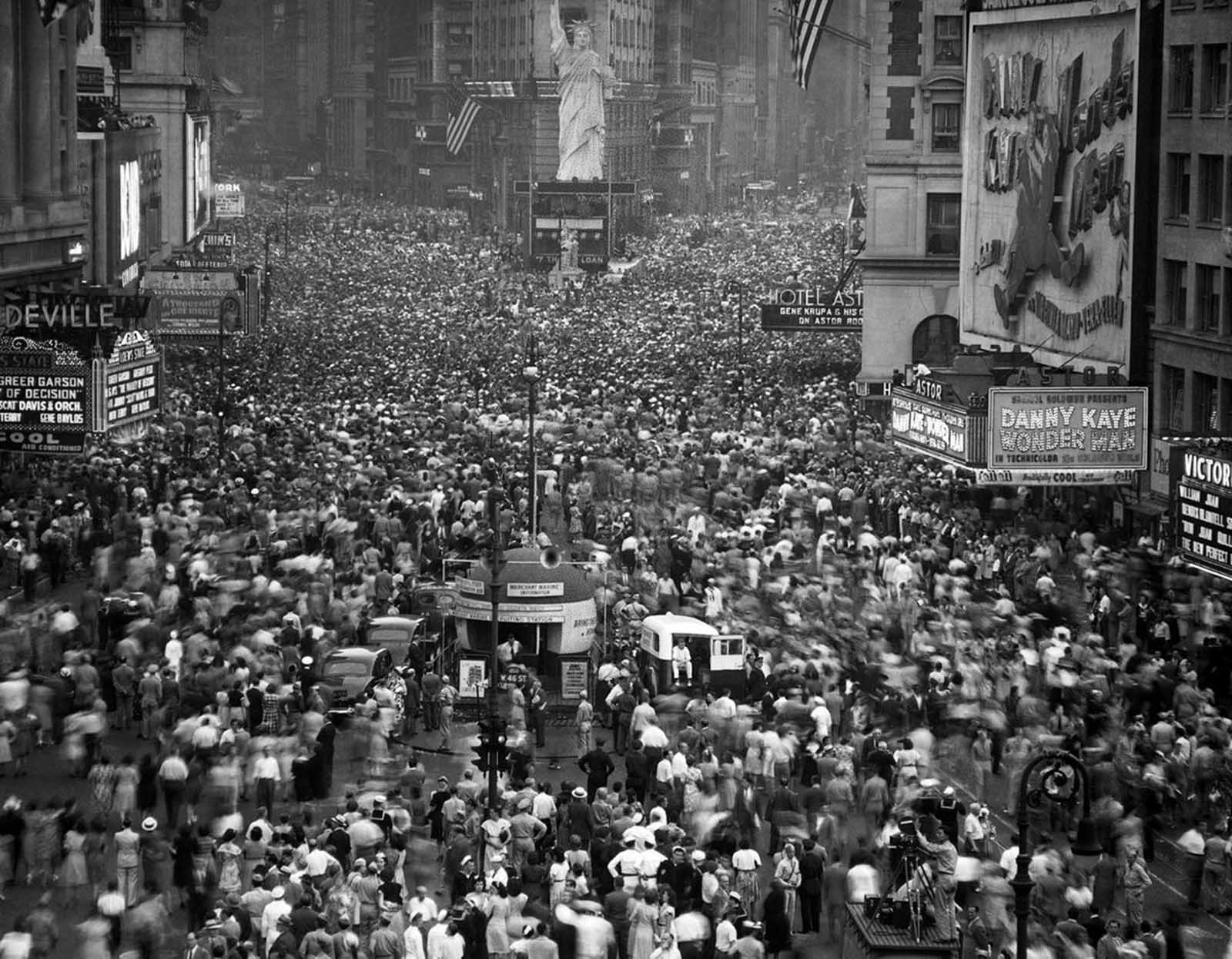 A huge crowd in New York's Times Square jubilantly welcome the news that the Japanese had accepted the Allies terms of surrender on August 14, 1945.