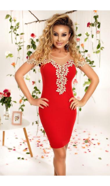 rochie rosie scurta de nunta eleganta de seara cu broderie florala cu fir auriu