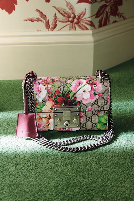 Gucci | the Blooms Padlock bag with a rose-tinted geranium print