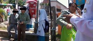 http://daengselili.blogspot.com/2013/01/pengedar-bible-di-pulau-pinang-gambar.html