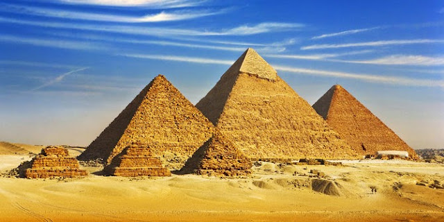 http://4.bp.blogspot.com/-h2fpjARZmLU/VPoaiciO8qI/AAAAAAAAADA/hNuij2tiaqk/s1600/mesir-kebakaran-jenggot-turis-rekam-film-porno-di-area-piramida.jpg