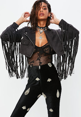 https://www.missguided.eu/petite-black-faux-suede-fringed-cropped-jacket-10097493
