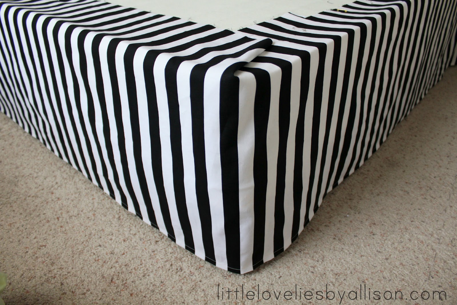 Little Lovelies Tutorial Easy Diy Bed Skirt