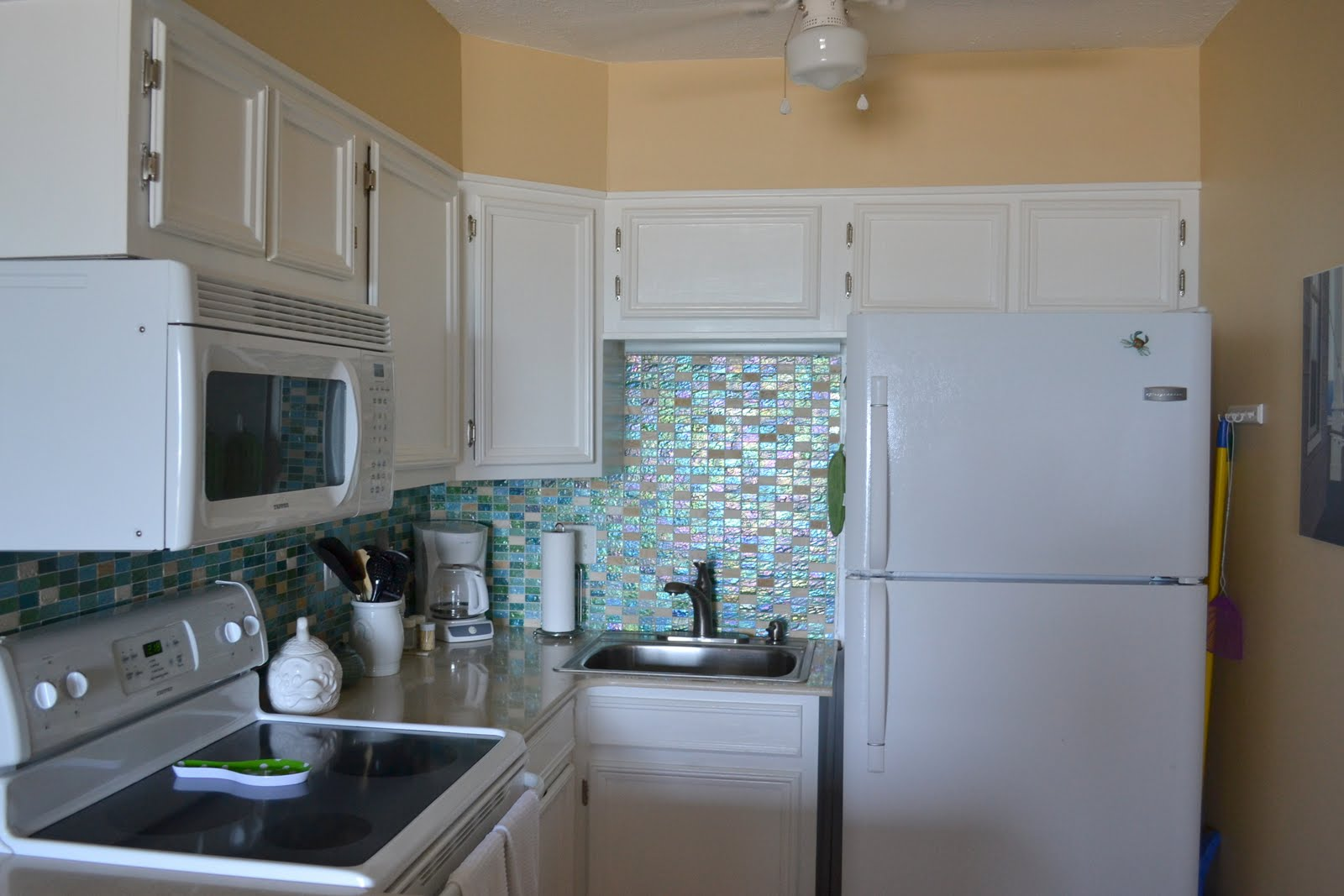 Superb Remodelaholic Beach Condo Renovation Before And After Largest Home Design Picture Inspirations Pitcheantrous