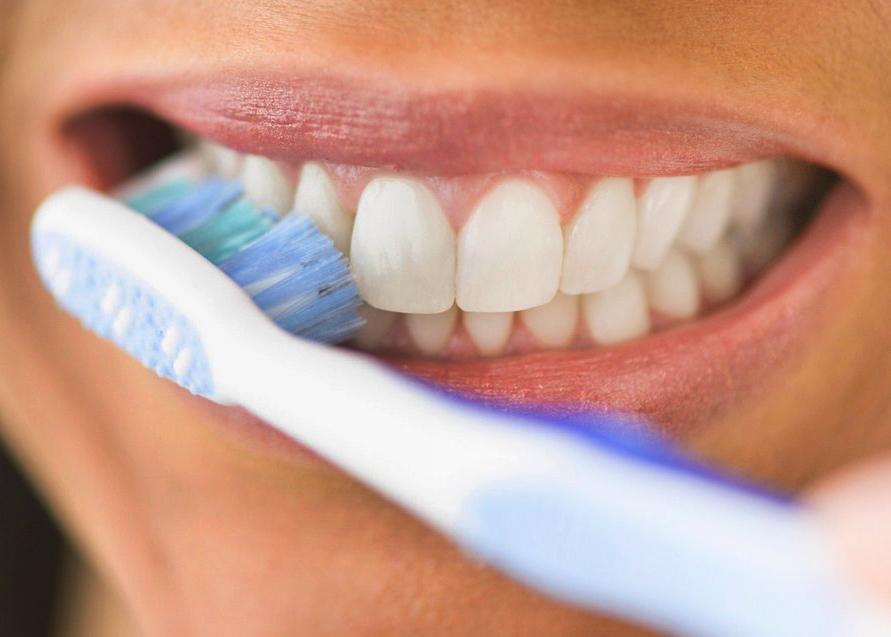 Cara Menghilangkan Karang Gigi secara Alami dan Mudah