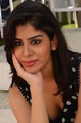 actress tanya sizzling photos-thumbnail-4