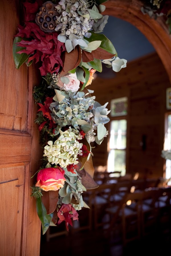bride+groom+red+crimson+autumn+fall+wedding+rustic+church+october+november+thanksgiving+ceremony+reception+nuptials+bouquet+leaves+leaf+cake+tiffiney+photography+6 - Plum Harvest Jam
