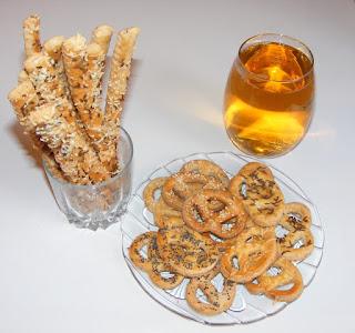 covrigei de bere, covrigei pentru bere, saratele si covrigei de casa aperitiv servit cu bere, retete culinare, retete rapide pentru musafiri,