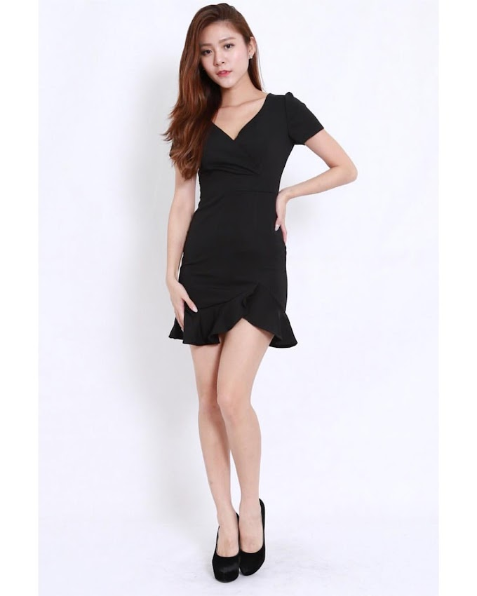A gallery of this sexy babe wearing different dresses  [31pics]