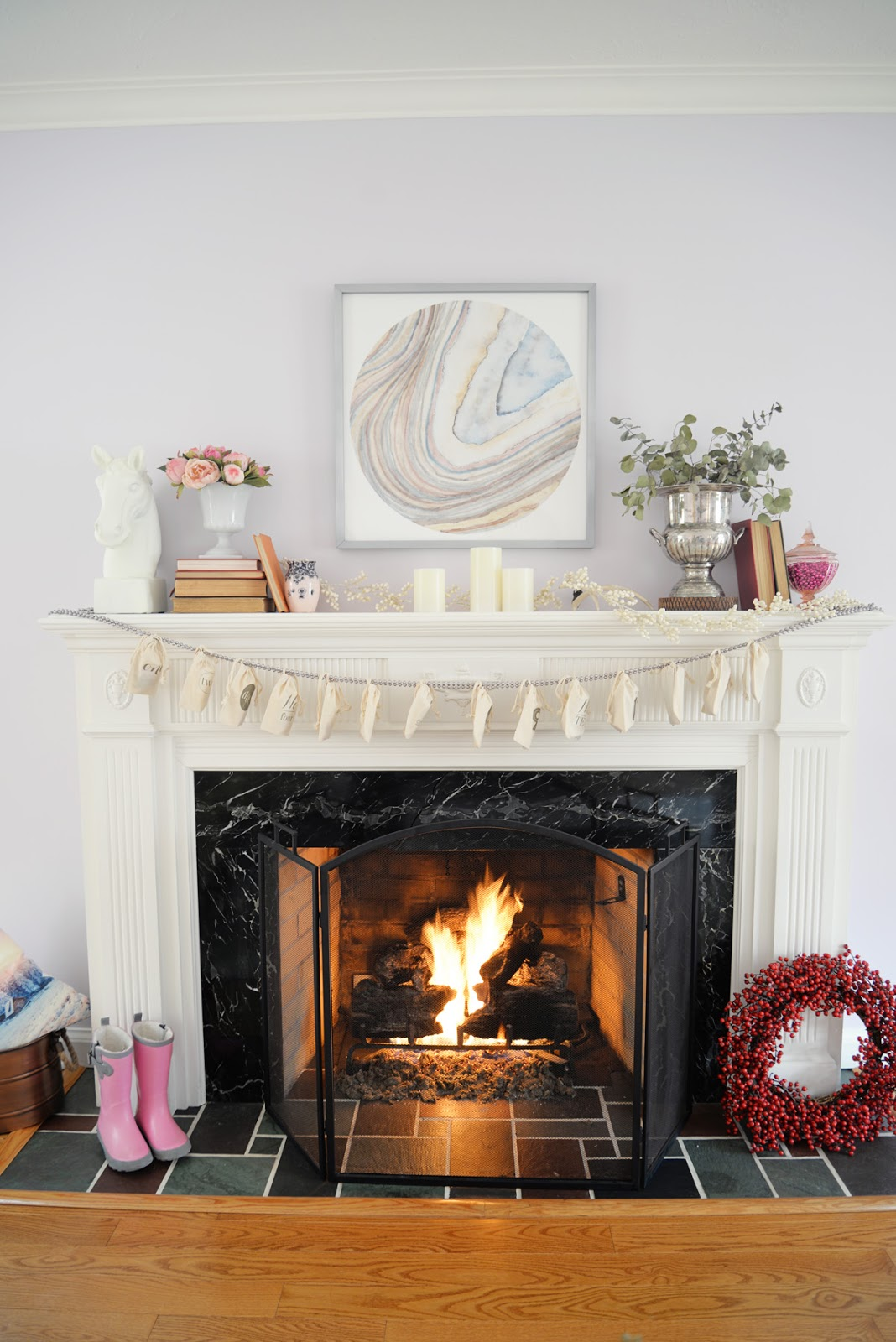 valentines day mantel | Ramblingrenovators.ca