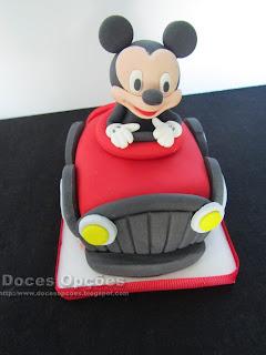 bolo aniversário carro mickey