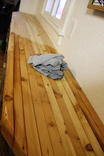 Pine butcher block color difference with mineral oil-beeswax finish