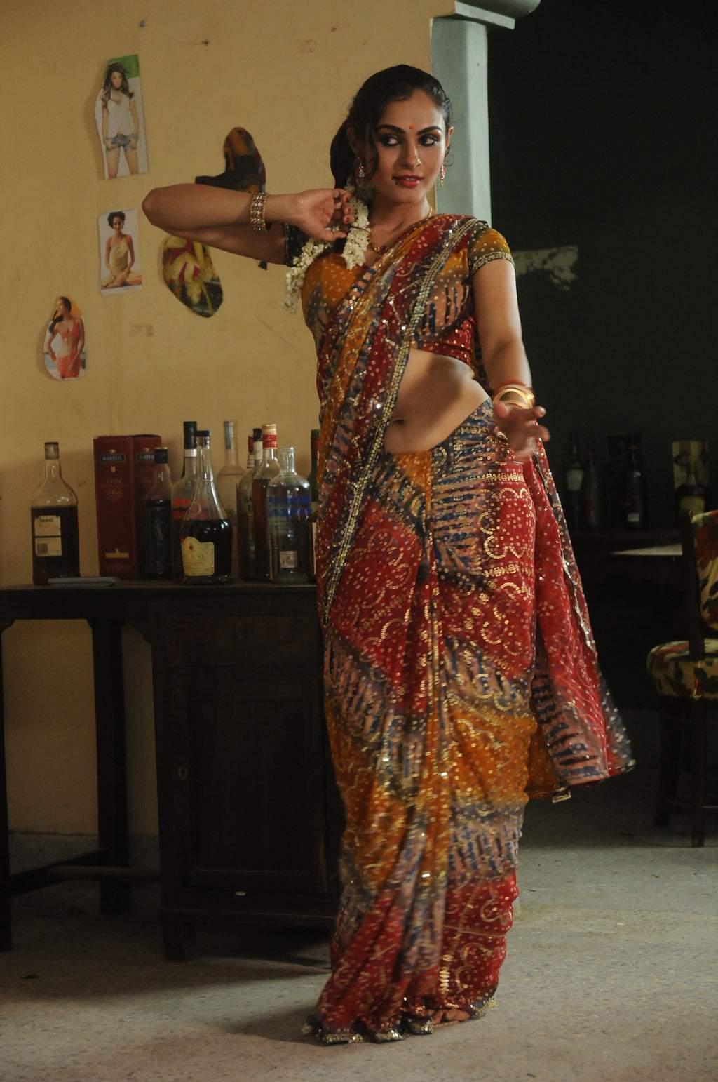 In Saree Tamanna In Himmatwala: Actress Andrea Jeremiah Hot Saree Navel Show Photos