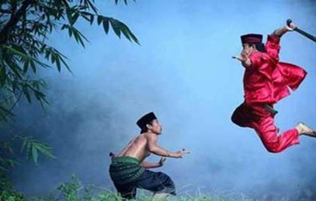 adalah ajian yang sering digunakan oleh orang zaman dahulu untuk memperkuat diri dan pert Mengenal Ajian Pancasona (Rawa Rontek) Si Ilmu Kebal