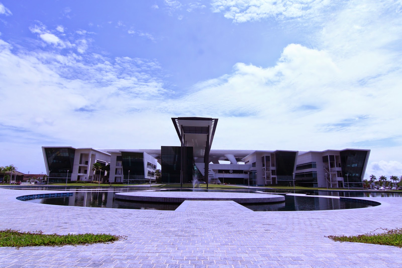 University College of Technology Sarawak UCTS