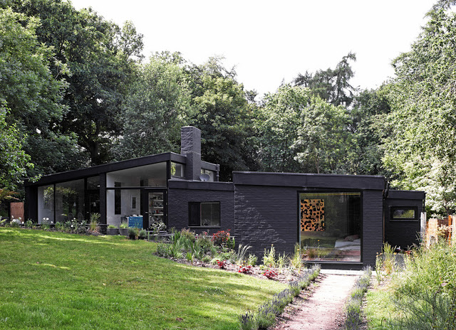 Aperture in the Woods, House in the UK
