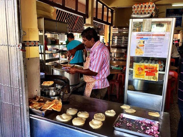 Ăn sáng bằng bánh Roti Prata