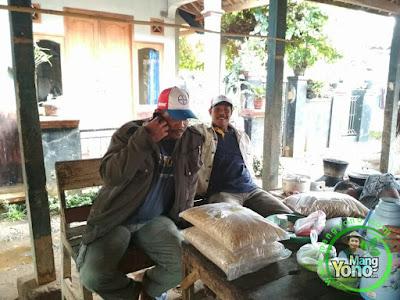 FOTO 1 : Kelompok Tani Cirebon, Jabar   Pembeli Benih Padi TRISAKTI 75 HST Panen