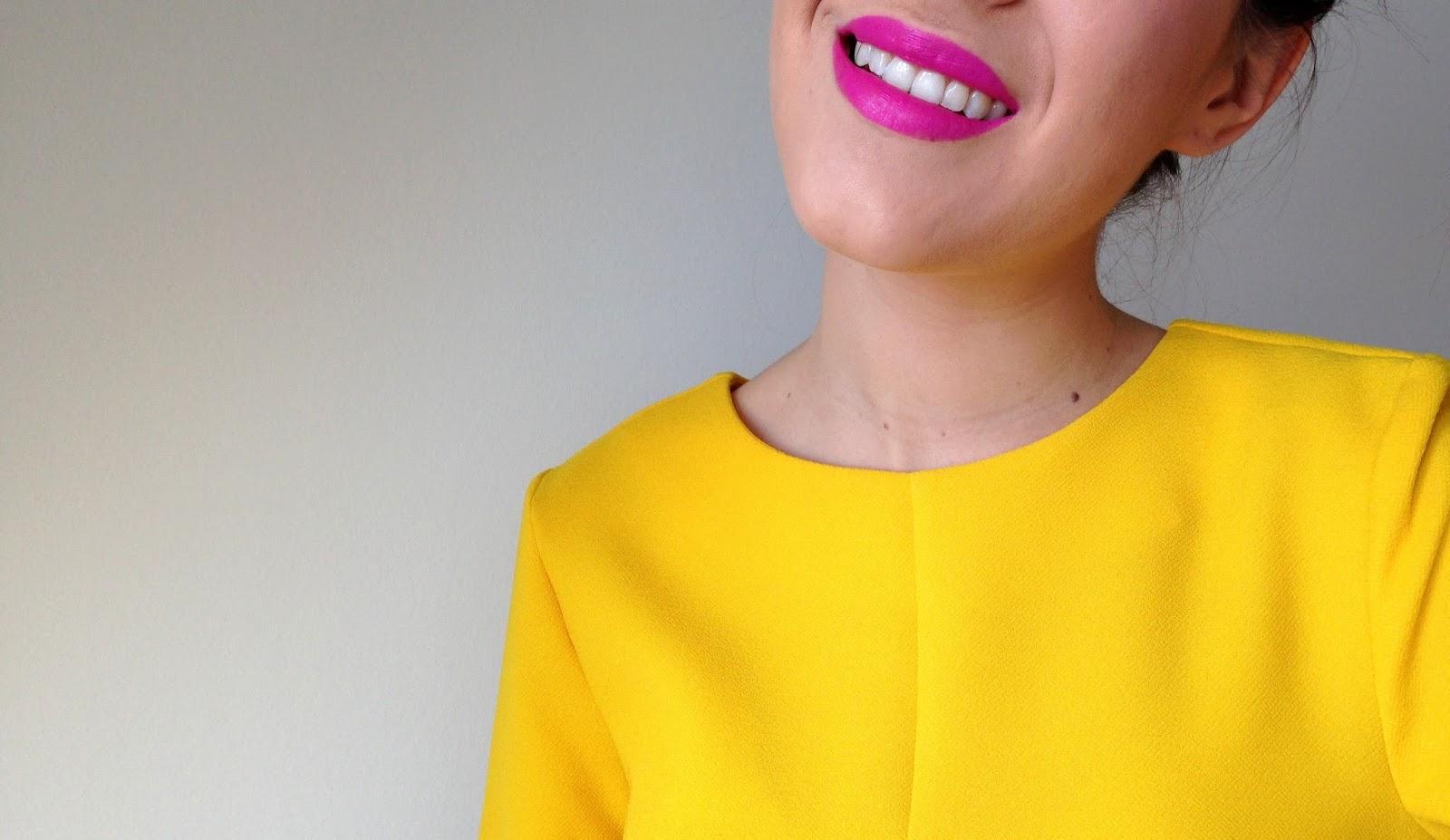 Quel maquillage adopter avec une robe jaune the mariette blog blog beaut - Quelle couleur avec le orange vetement ...
