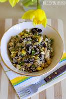 (salatka z kusksem i pieczarkami