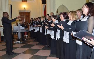 Coro Acrópolis emociona público
