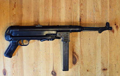 Denix MP40 with folded stock
