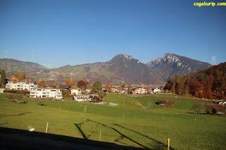 Pemandangan Menuju Interlaken
