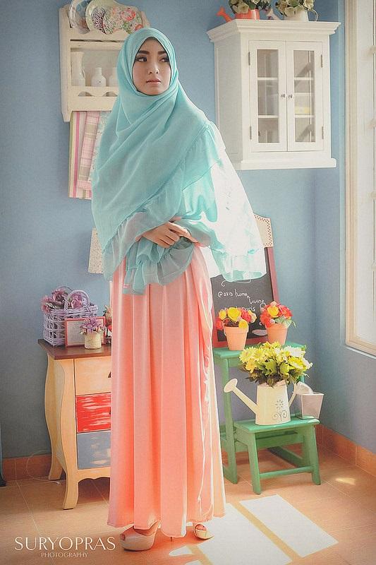 gaya foto hijab outdoor