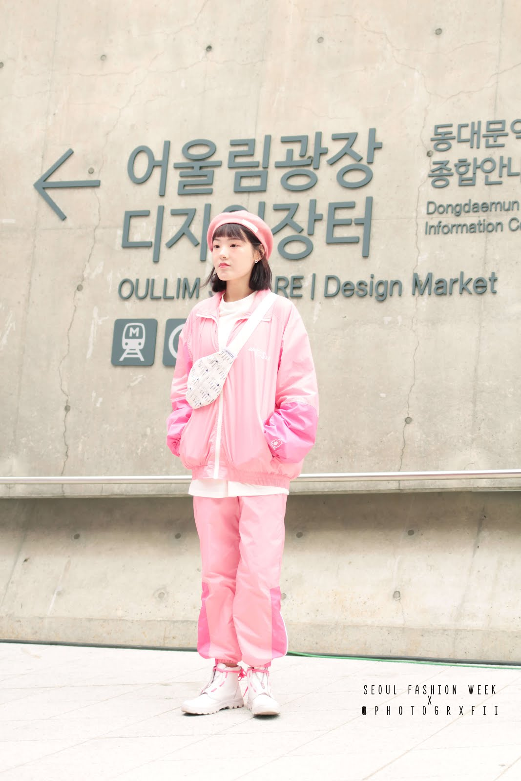 seoul fashion week ss18 monochrome pink outfit inspiration