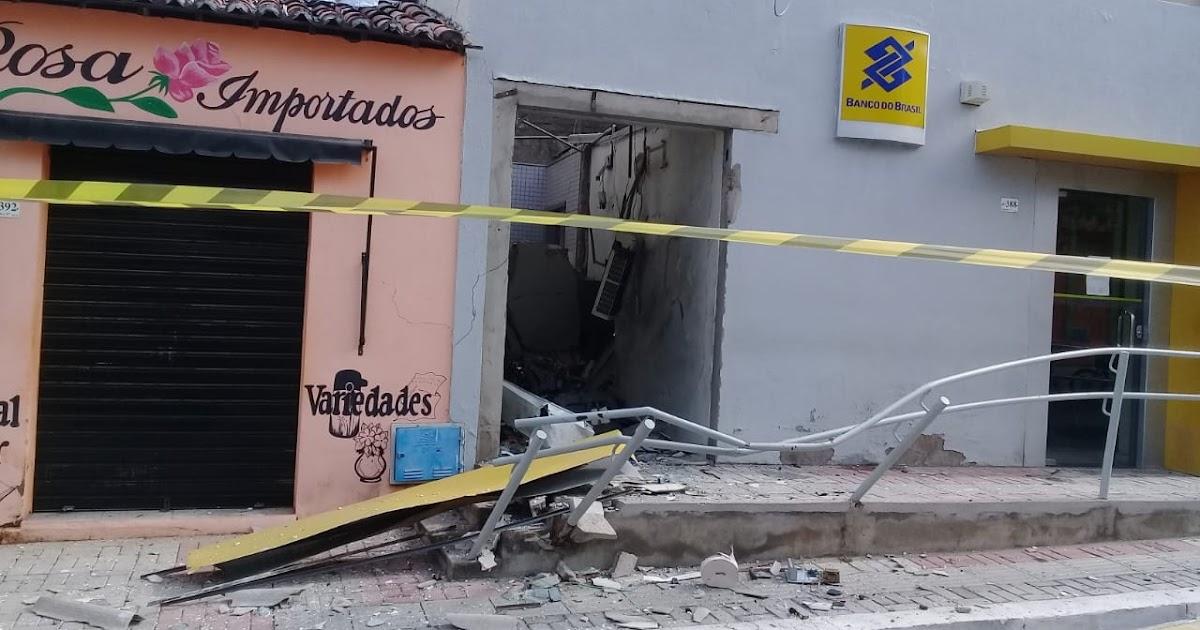 Resultado de imagem para Banco é atacado e caixas eletrônicos são explodidos em Cariré
