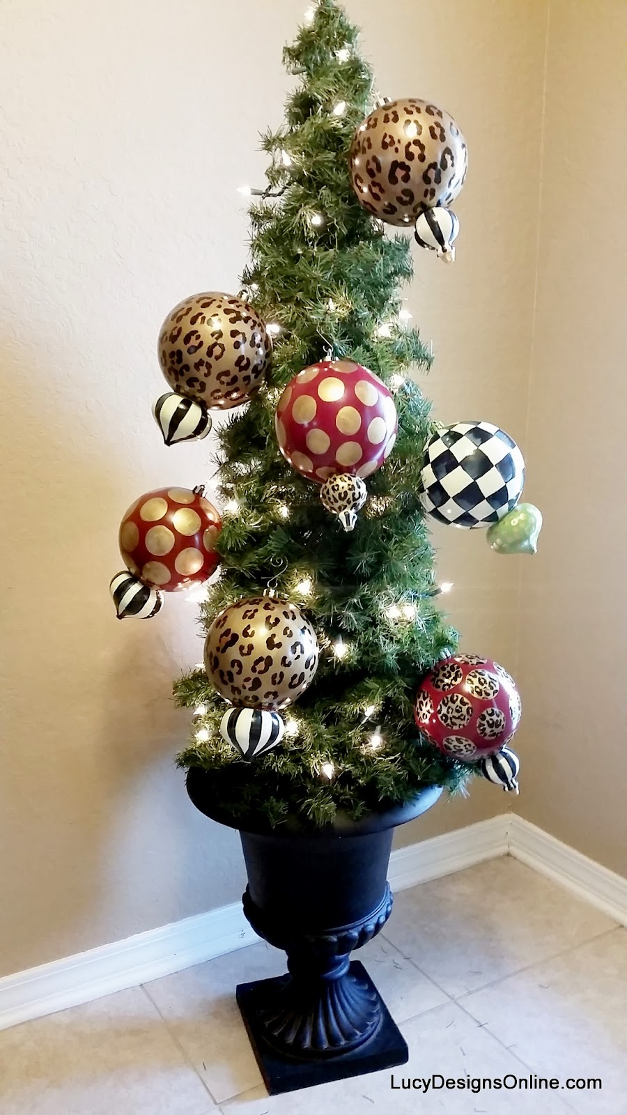 tomato cage topiary Christmas tree with hand painted ornaments