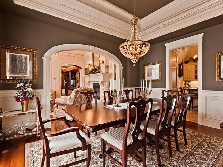 Second dining room in Outstanding custom built house in Canada