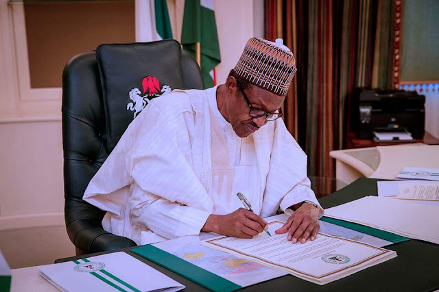 Give me more time to decide on 2019 – Buhari begs APC governors