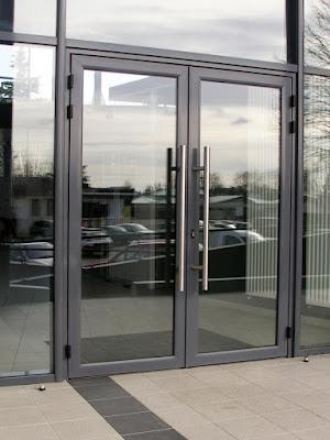 Desain Pintu Aluminium Terbaru Untuk Rumah Minimalis 1
