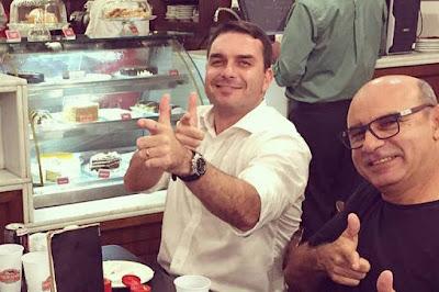Flávio Bonsonaro e Queiroz