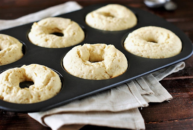 How to Make Baked Doughnuts Image