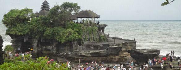 Tanah Lot Bali Hindu Sea Temple - Beraban, Tanah Lot, Temple, Sunset, Bali, Holidays, Sightseeing, Attractions
