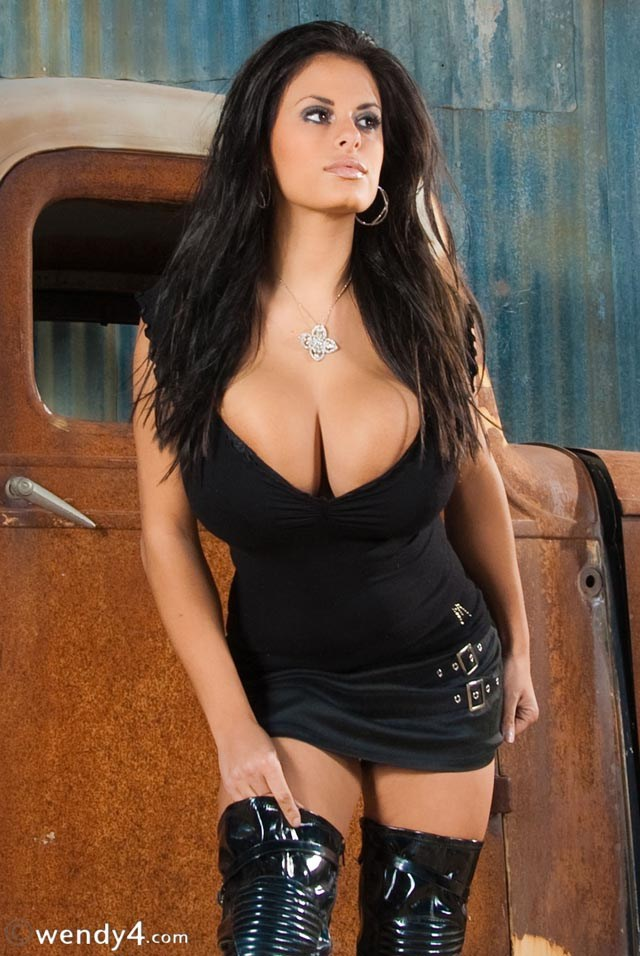 Wendy Fiore In A Tight Black Dress With Huge Cleavage -7253